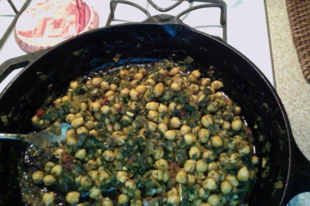 Chickpea Curry With Fresh Dill (Rasa Walla Kabuli Chana)