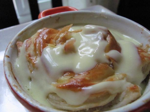 Benedict Eggs in Pastry Toh