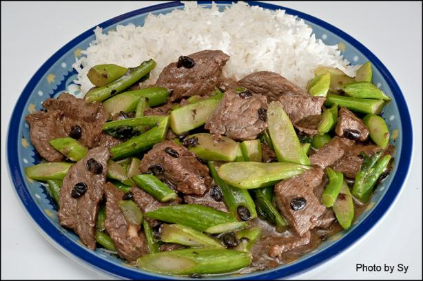 Sliced Beef With Black Beans & Chinese Broccoli on Rice
