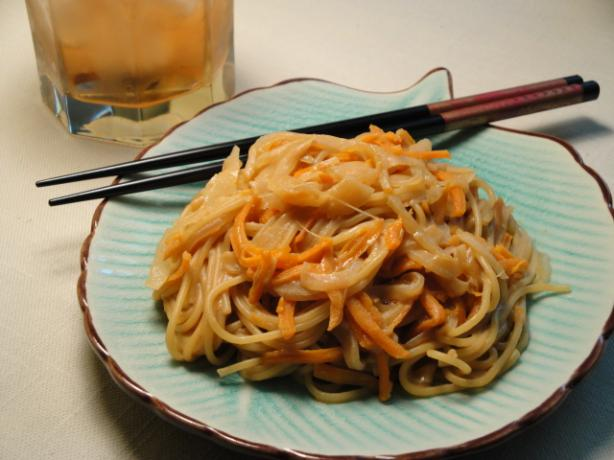 Chinese Lo Mein With Peanut Butter Sauce