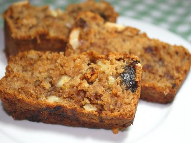 Eggless Date Apple & Walnut Cake