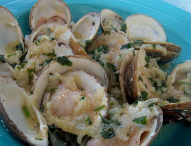 Clams Steamed in Champagne