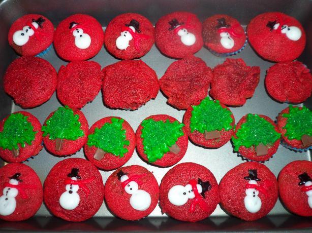 Delicious and Moist Red Velvet Cake