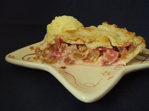 Mimi's Rhubarb Pie