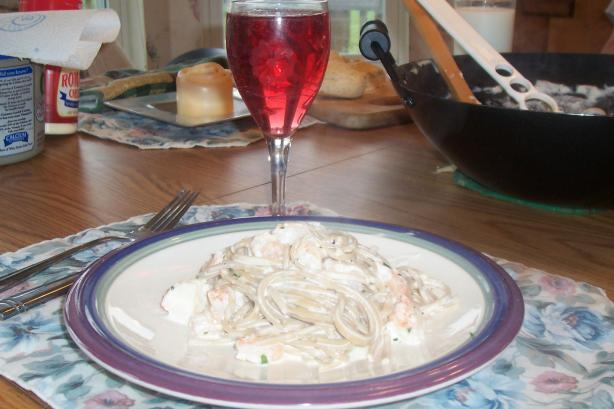 Fettuccine Alfredo With Shrimp & Crab Meat