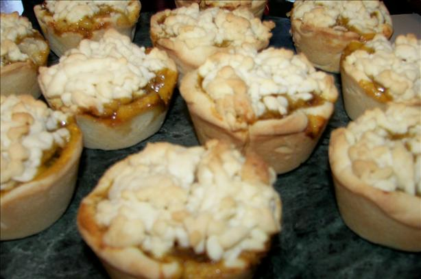 Apple Pies Made in a Muffin Pan