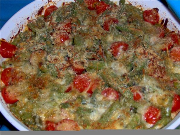 Green Bean Gratinate With Cherry Tomatoes, Mozzarella and Basil