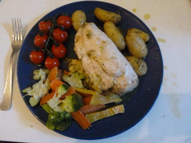 Chicken Breast With Pesto and Vegetables