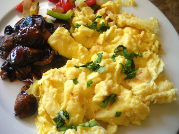 Herbed Scrambled Eggs