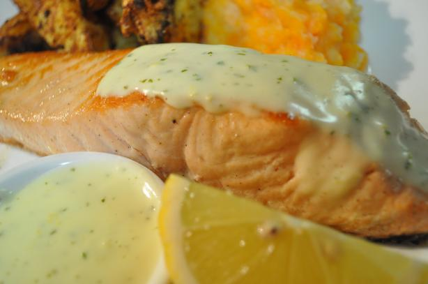 Salmon With a Creamy Lemon Mustard Sauce