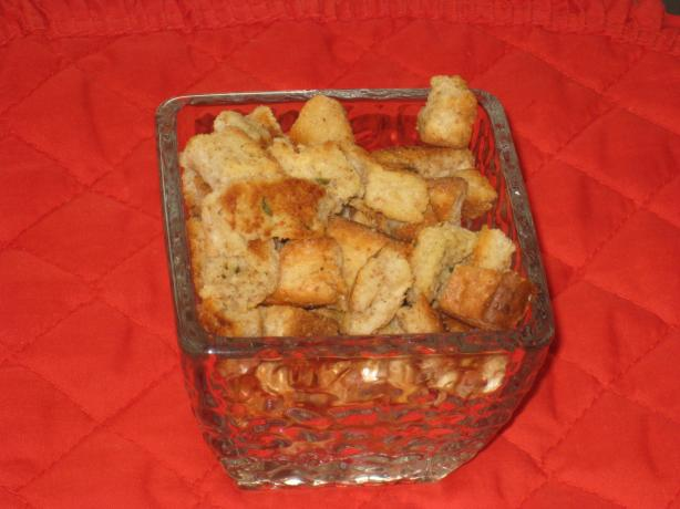 Kittencal's Garlic Croutons