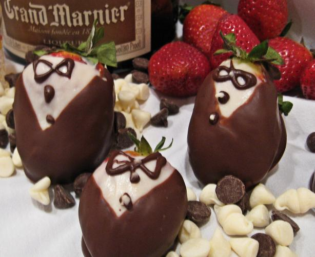 """tuxedo"" Chocolate Covered Strawberries"