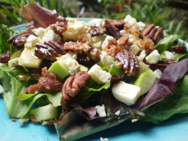 Apple Gorgonzola Salad With Balsamic Vinaigrette
