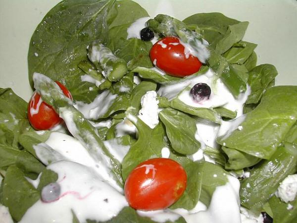 Linda's Spinach Salad With the Works