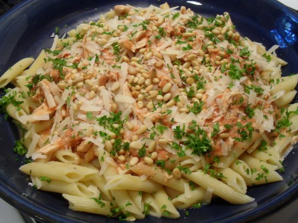 Chicken and Tomato Sauce With Basil and Pine Nuts on Pasta
