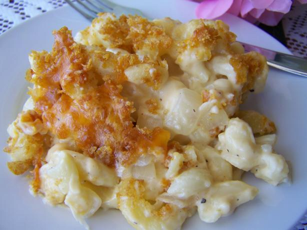 The Ultimate Creamy Macaroni and Cheese