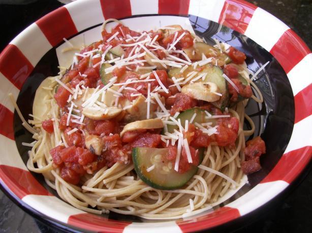 Spaghetti With Tomato, Chilli, Mushroom, Zucchini & Garlic