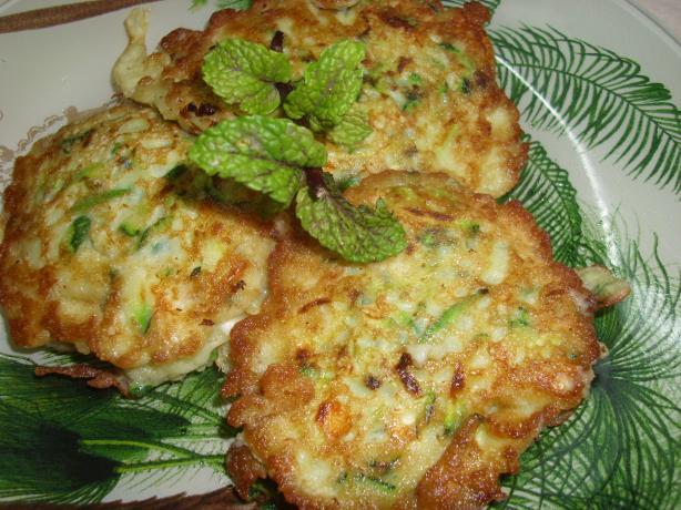 Kolokythia Krokettes (Zucchini Pancakes)