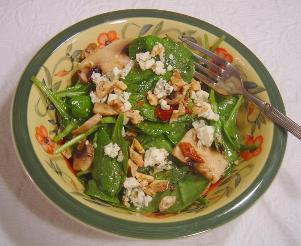 Spinach, Portabella, Bacon & Blue Cheese in Walnut Dressing