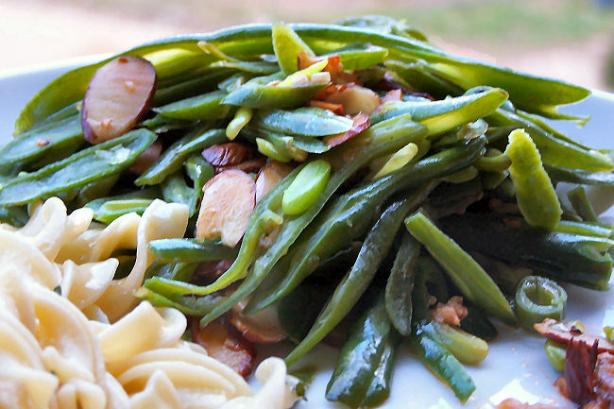 Haricot Vert - French Green Beans With Garlic and Sliced Almonds