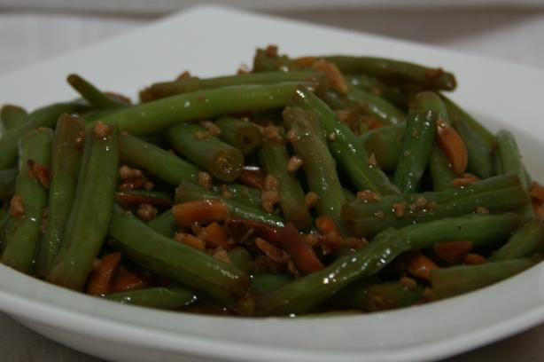 Green Beans With Garlic Butter and Almonds
