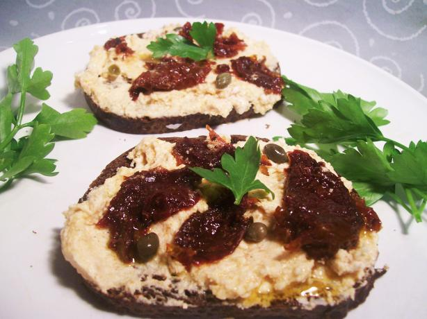 Goat Cheese With Paprika, Garlic, Sun-Dried Tomatoes and Capers