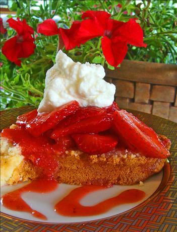Cream Cheese Pound Cake With Strawberries and Cream