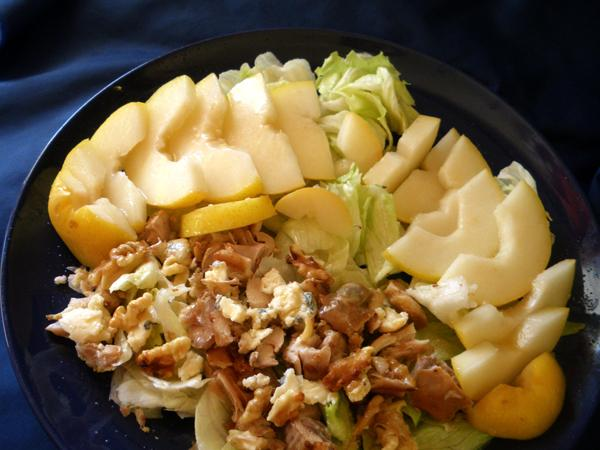 Chicken, Gorgonzola, & Pear Salad