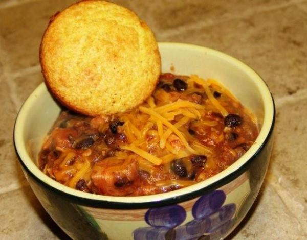 Piquante Chicken and Beans With Cheese (Crock Pot)