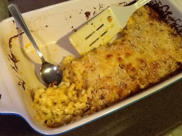 Baked Macaroni & Cheese W/ Breadcrumb Topping