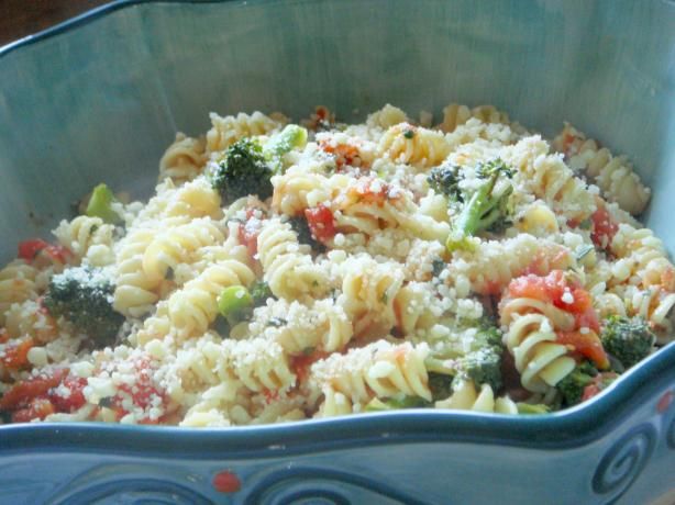 Broccoli Pasta in a Fresh Tomato Sauce