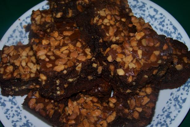 Libby and Mia's White Chocolate Chip and Macadamia Brownies
