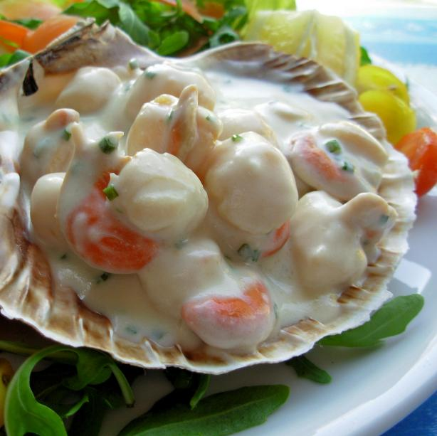 Scallops in Pernod and Cream