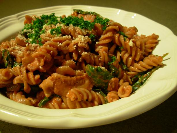 Pasta With Baby Bella Mushrooms & Spinach in a Tomato Cream