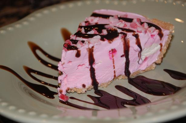 Easy Peppermint Ice Cream Pie
