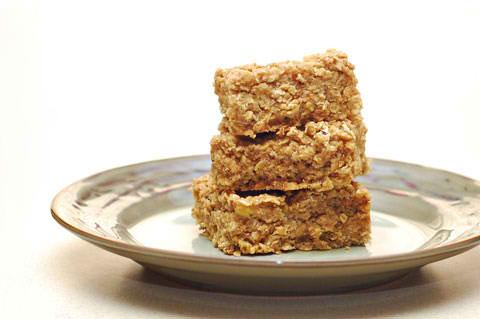 Healthy Peanut Butter Banana Oatmeal Bars