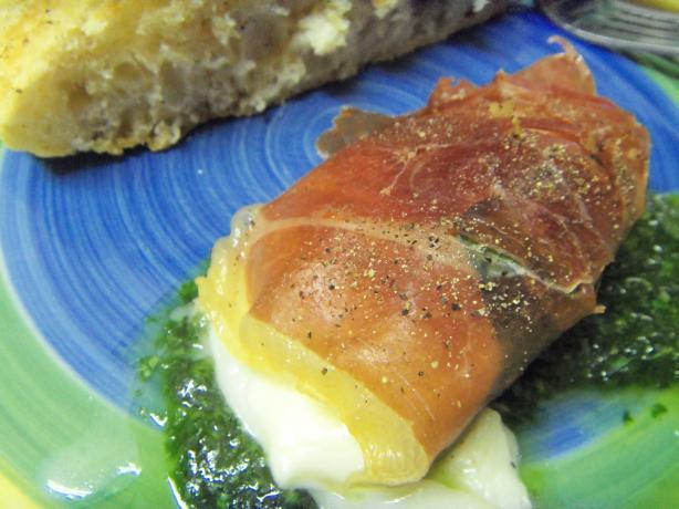 Baked Mozzarella Wrapped in Prosciutto
