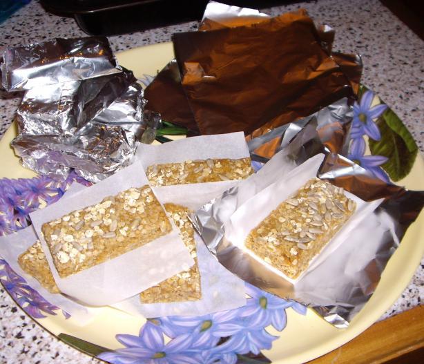Natural No-Bake Peanut Butter Energy Bars.