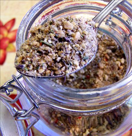 Dried Blend of Aromatic Herbs, Onions, Garlic