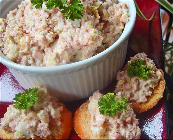 Paula Deen's Best Ham Salad Sandwich