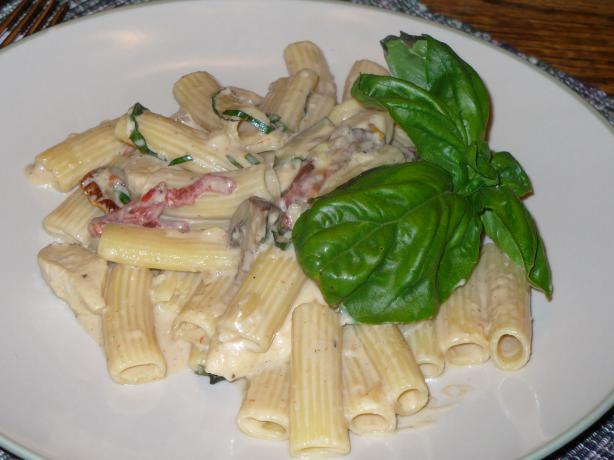Chicken & Campanelle Pasta With Roasted Garlic Cream