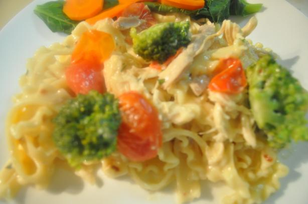 Creamy Pasta With Chicken, Broccoli and Basil - Low Fat Version