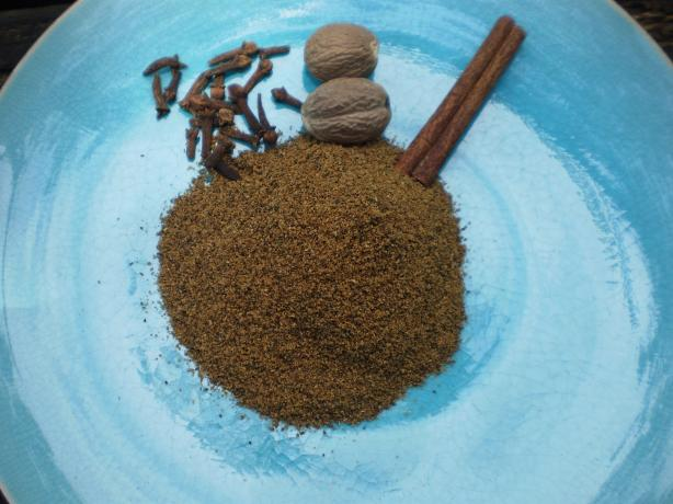 Garam Masala - Aromatic Kashmiri Spice Blend for Spicy Cooking!