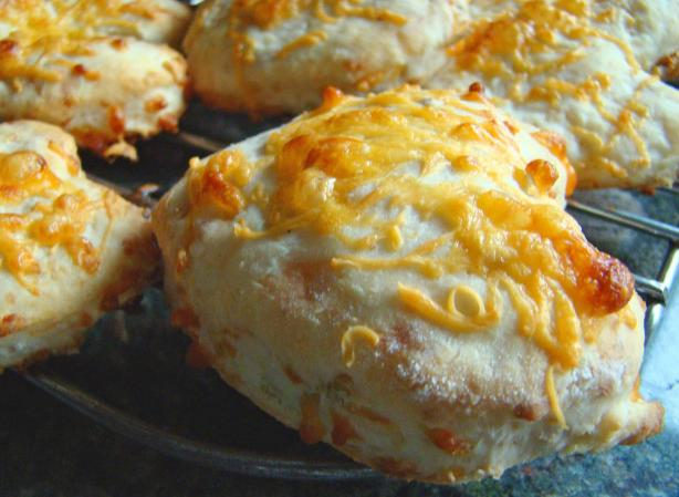 Very Tasty Cheesy Cheddar and Oat Scones
