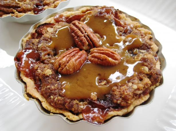 Yummy Crunchy Caramel Apple Pie