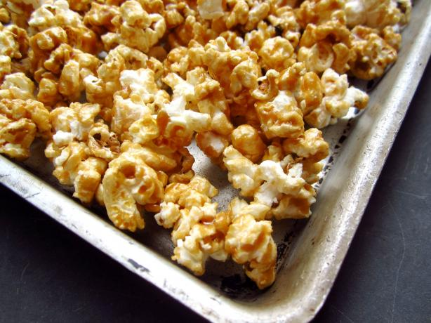 Old Fashioned Caramel Popcorn in the Microwave!
