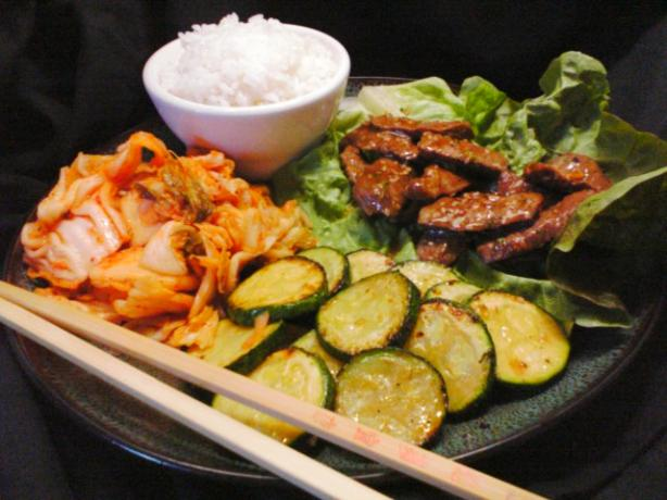 Bulgogi (Korean Beef) with rice and lettuce