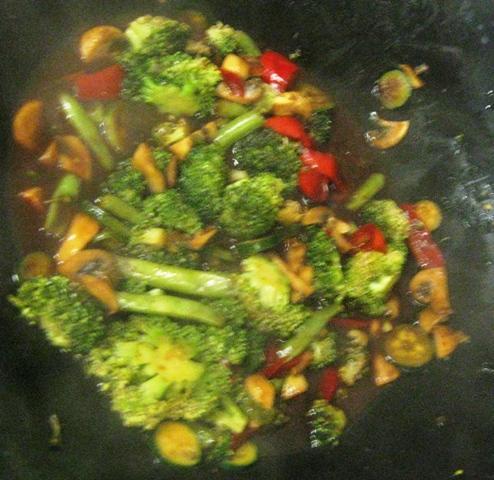 Broccoli, Mushroom & Red Peppers in Black Bean Garlic Sauce