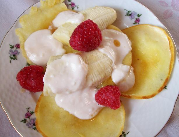 Vanilla Pikelets With Banana & Maple Yoghurt