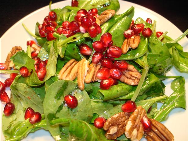 Arugula Salad With Pomegranate and Toasted Pecans